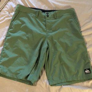 Quicksilver size 34 hybrid shorts